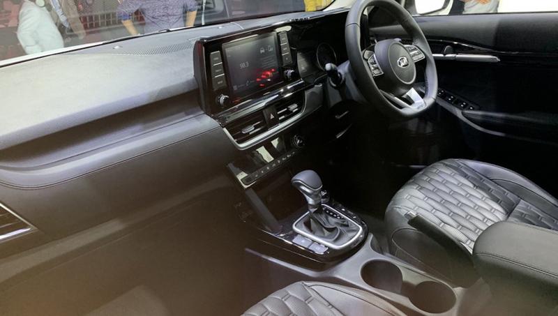 kia-seltos-interior.jpg.f949e9059490f8f1